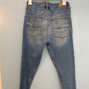 American Eagle Super High Waisted Skinny jean. 6.